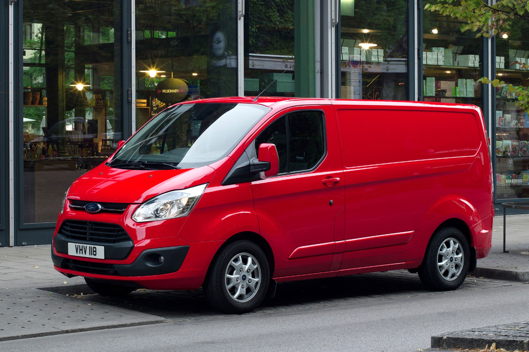 Ford Transit Custom review - 2012 pre-facelift front view