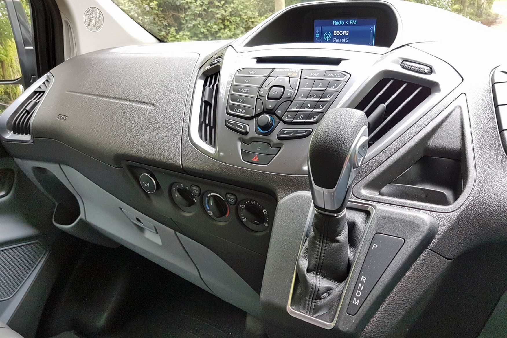 Ford Transit Custom Sport automatic gearshifter