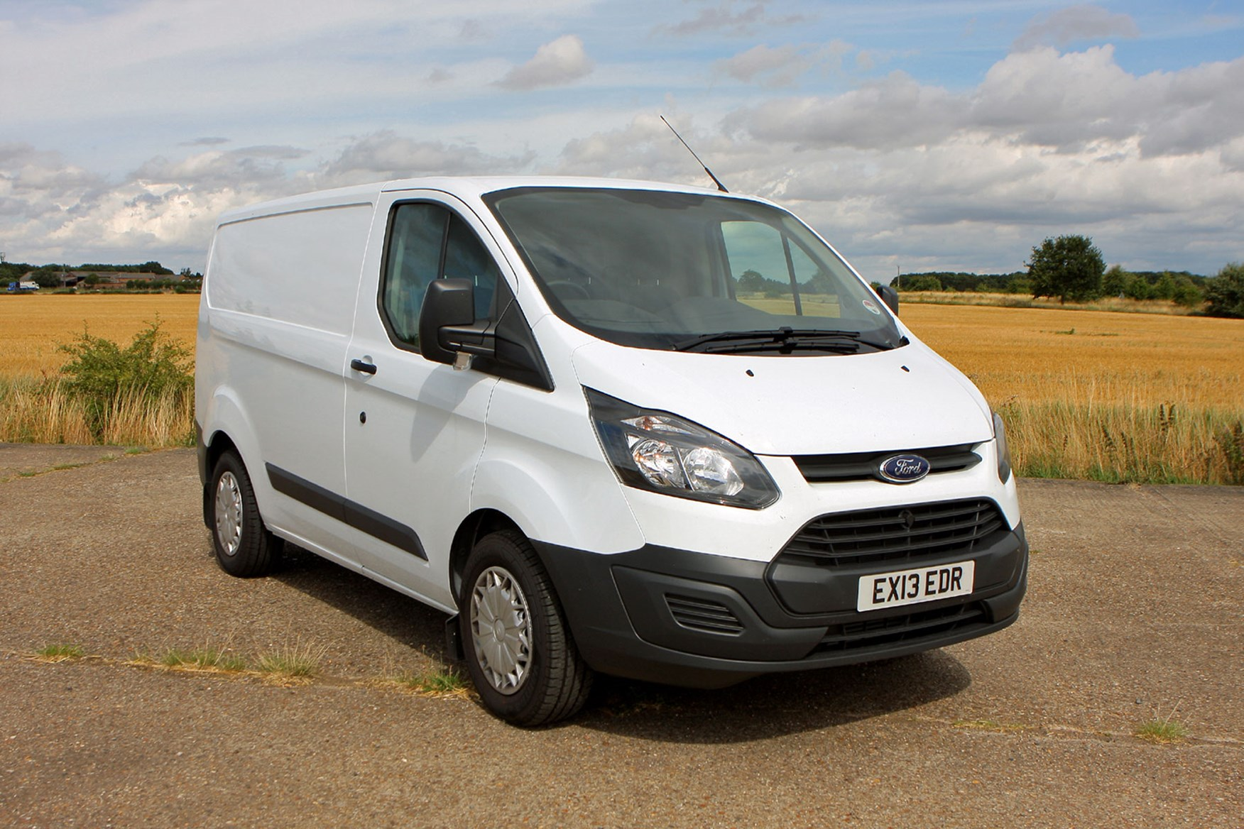 ford transit custom van review 2012 on parkers. Black Bedroom Furniture Sets. Home Design Ideas