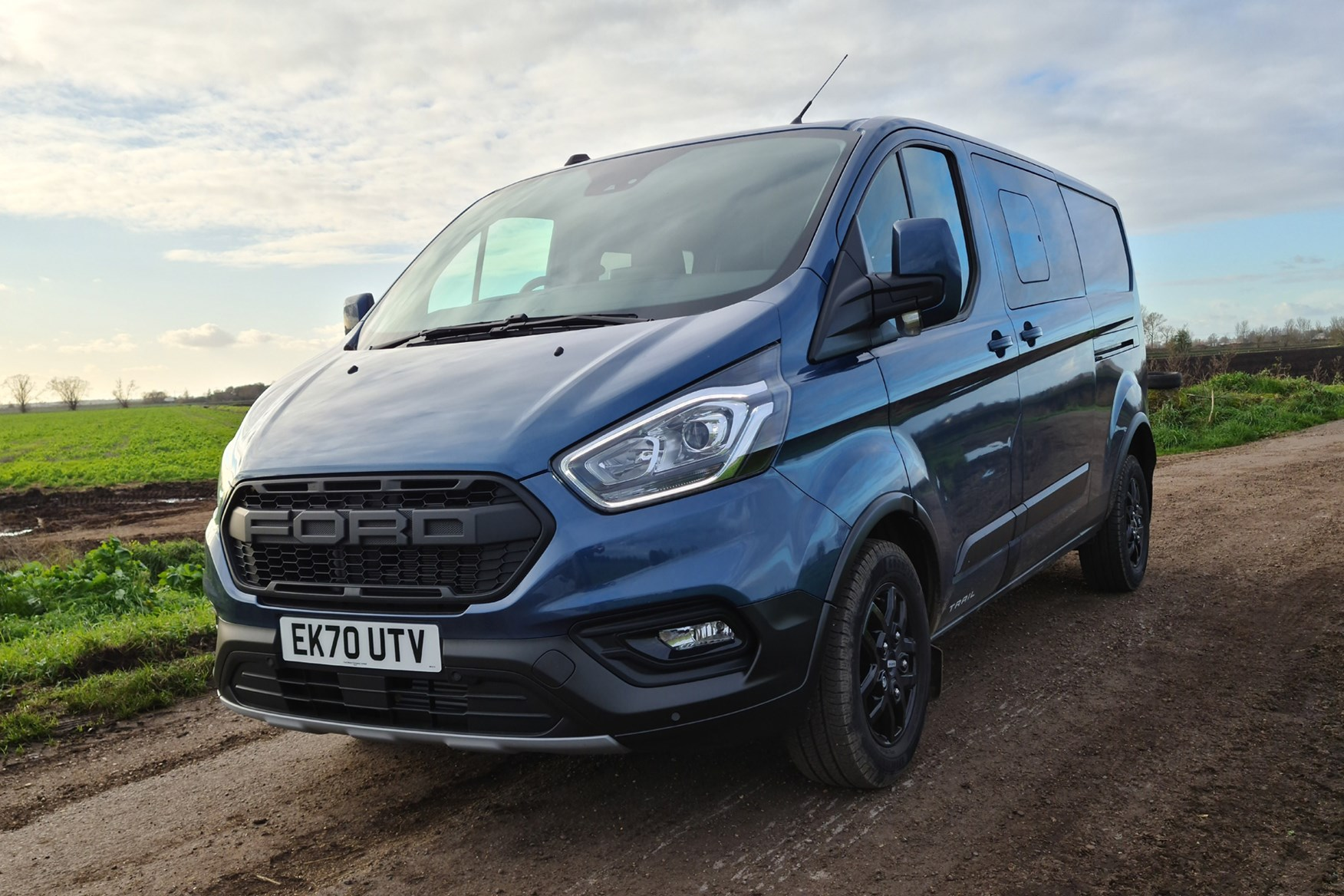 Ford Transit Custom Trail review, L2, DCiV, 2020, front view, Chrome Blue