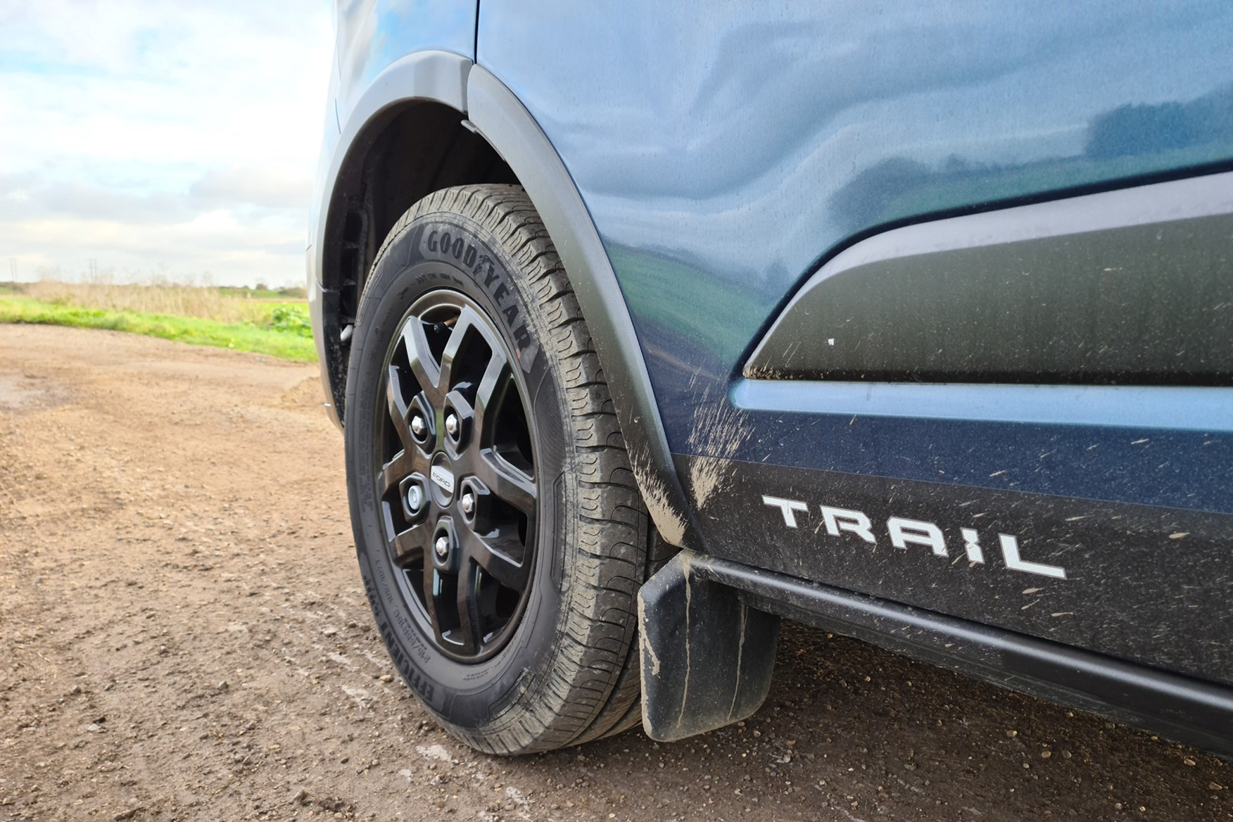 Ford Transit Custom Trail review, L2, DCiV, 2020, Trail logo, mudflaps and 16-inch alloy wheels