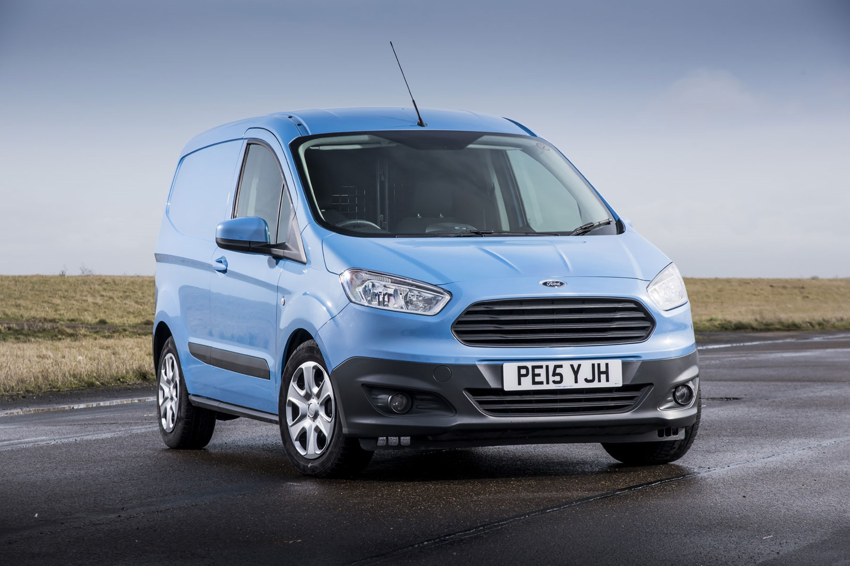 Ford Transit Courier review, 2015 model, blue, front view