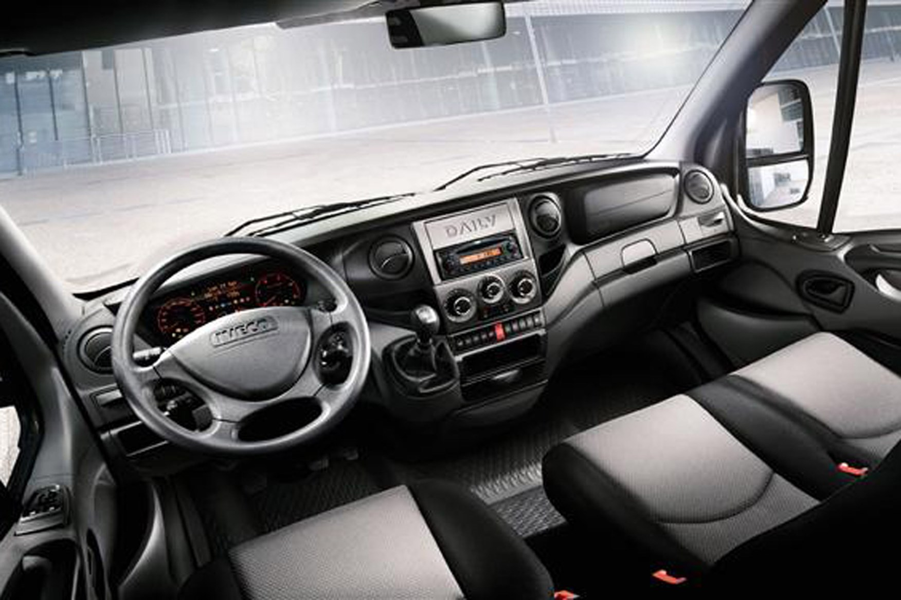 Iveco Daily 2009-2012 review on Parkers Vans - cabin, interior