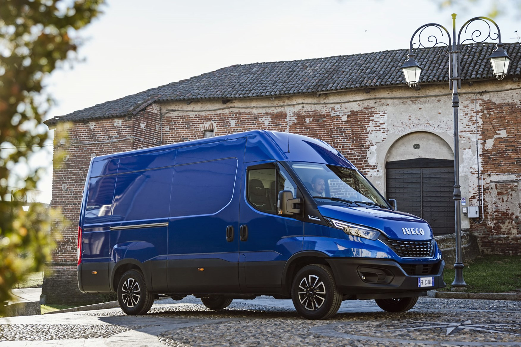 Iveco Daily 2019 review - front side view, panel van, blue