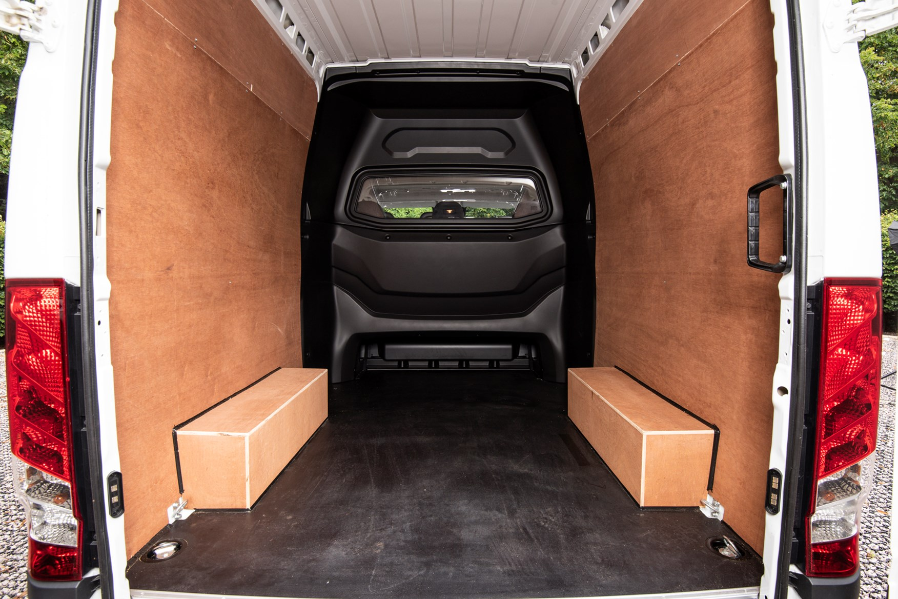 2021 Iveco Daily 3.5t CrewVan load area