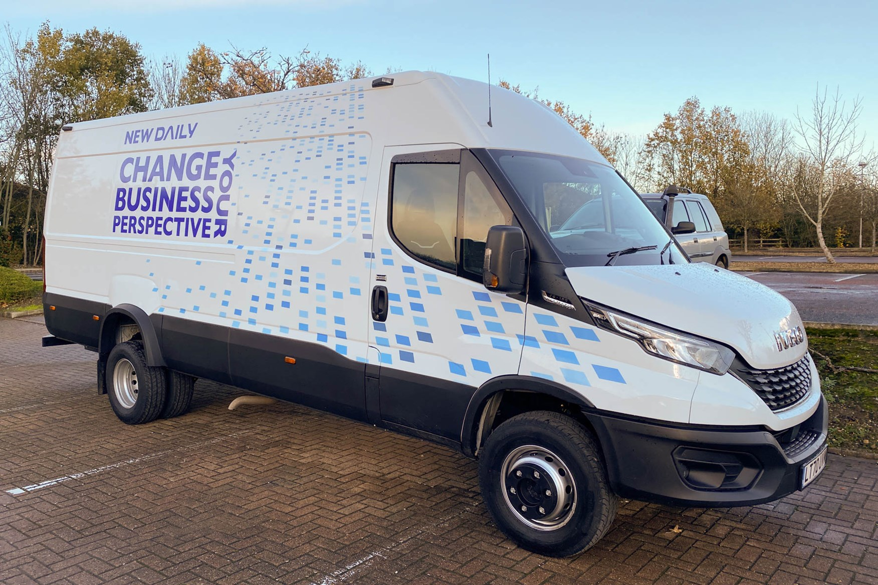 Iveco Daily 7.0t review - front view, white