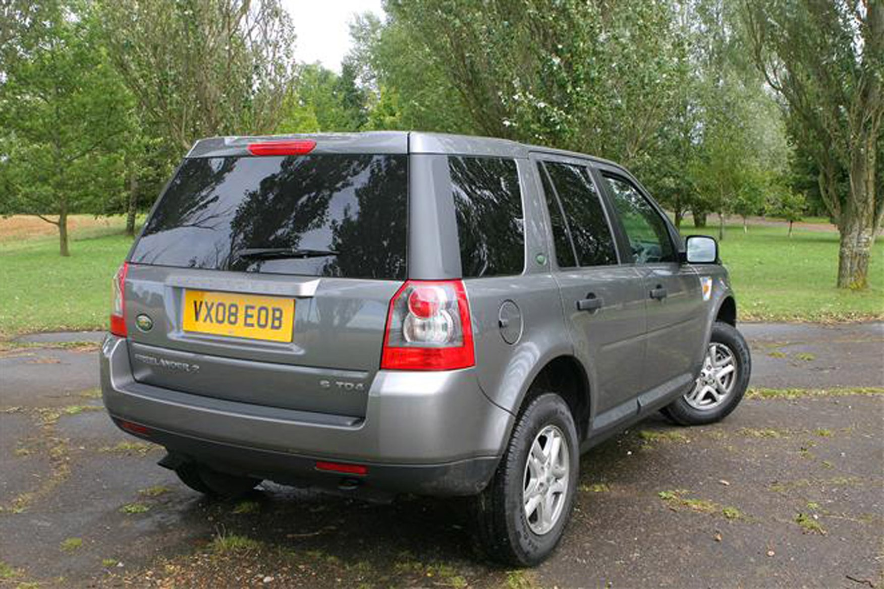 Land Rover Freelander review on Parkers Vans - exterior rear