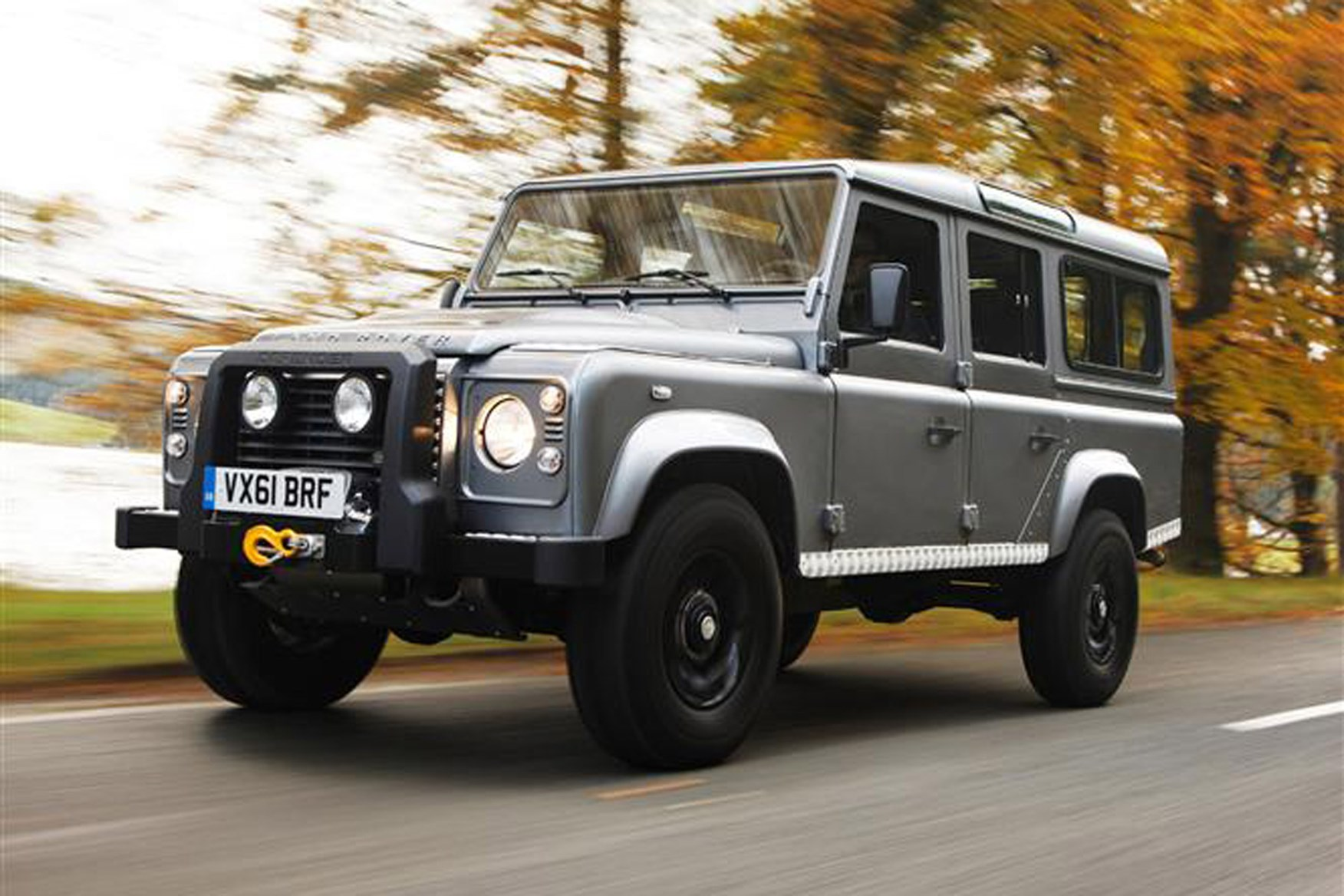 Land Rover Defender 2007-2016 review on Parkers Vans - 110 exterior