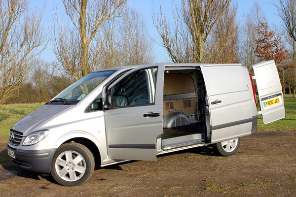 Mercedes Benz Vito Van Dimensions 2003 2014 Capacity Payload Volume Towing Parkers