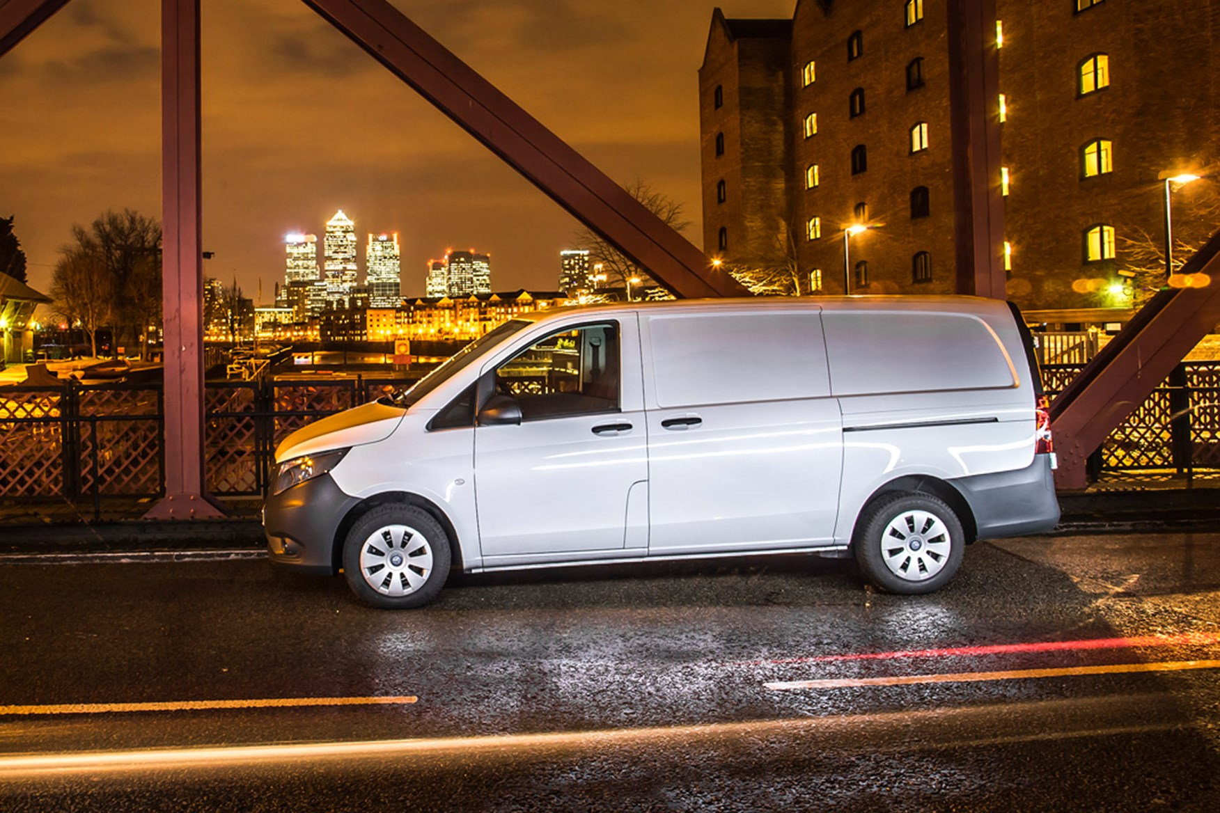 Mercedes-Benz Vito full review on Parkers Vans - side exterior