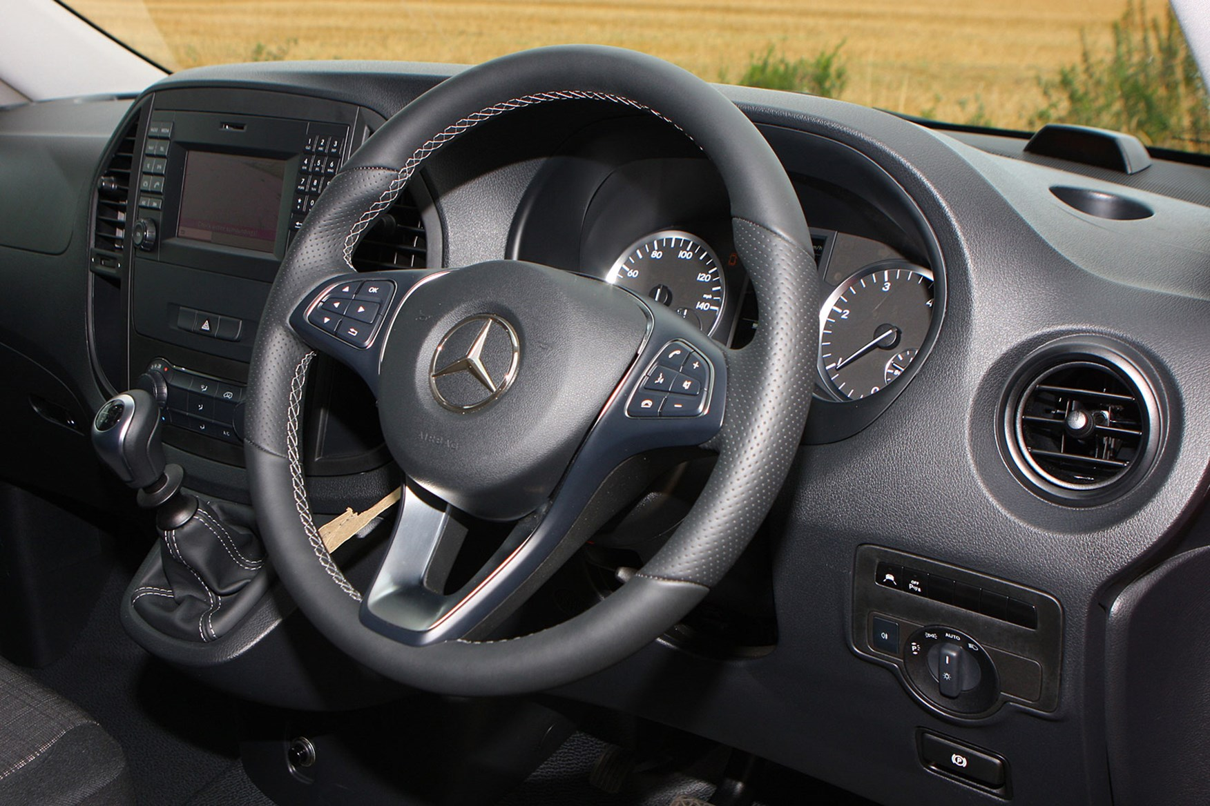 Mercedes-Benz Vito 111CDi Long review - cab interior, steering wheel, dashboard
