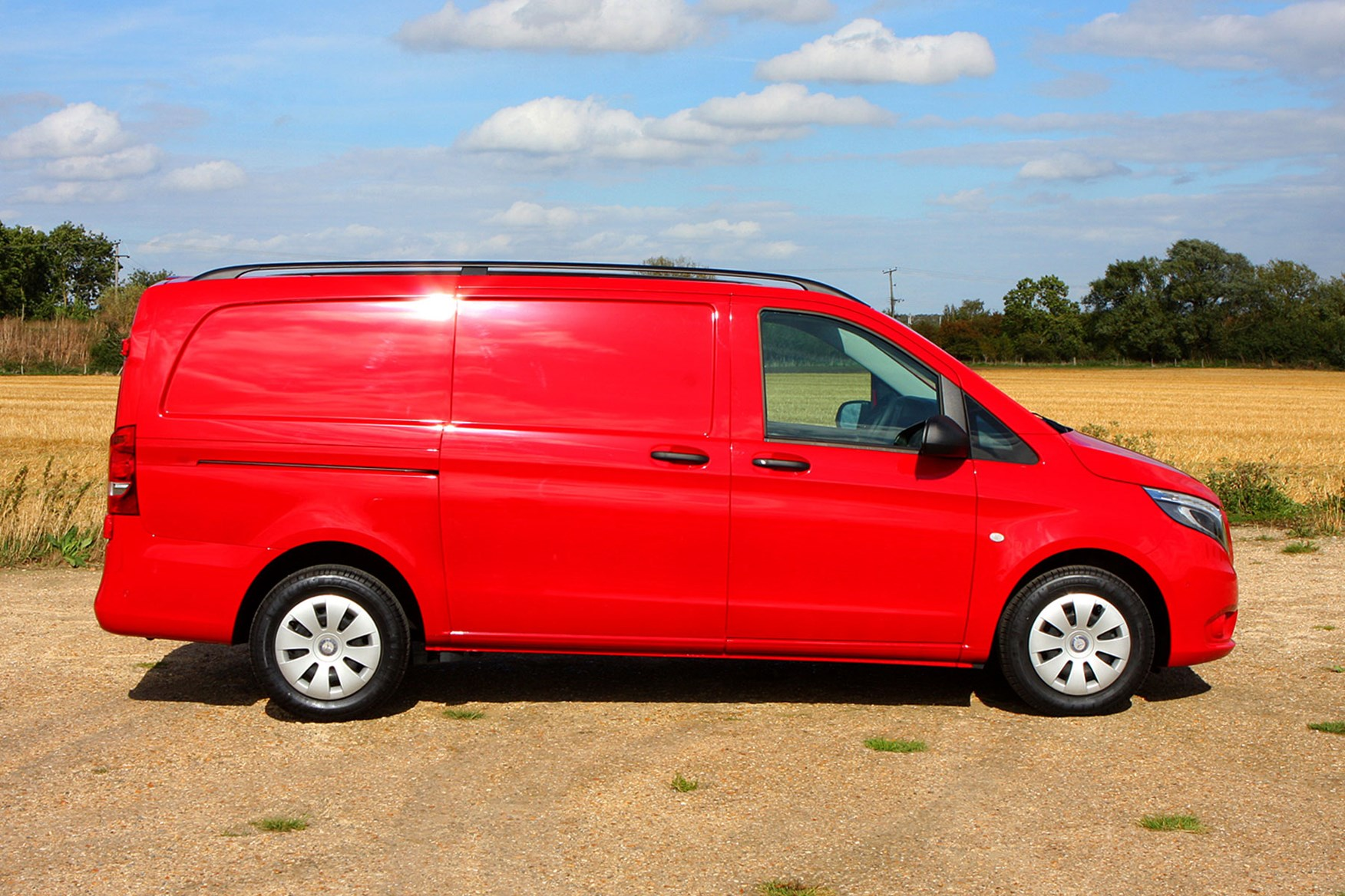 Mercedes-Benz Vito 111CDi Long review - side view, red