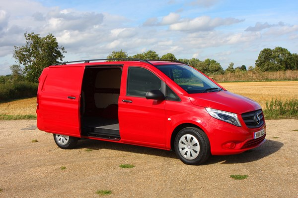 mercedes benz vito van dimensions 2015 on capacity payload volume towing parkers. Black Bedroom Furniture Sets. Home Design Ideas