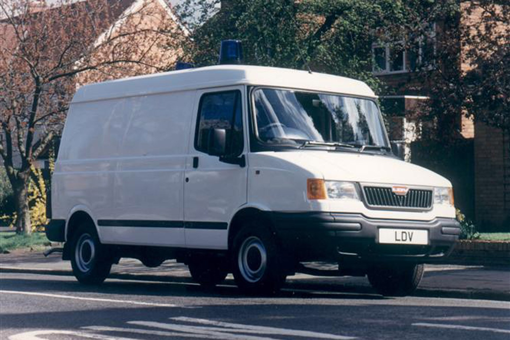 LDV Pilot review on Parkers Vans - front exterior