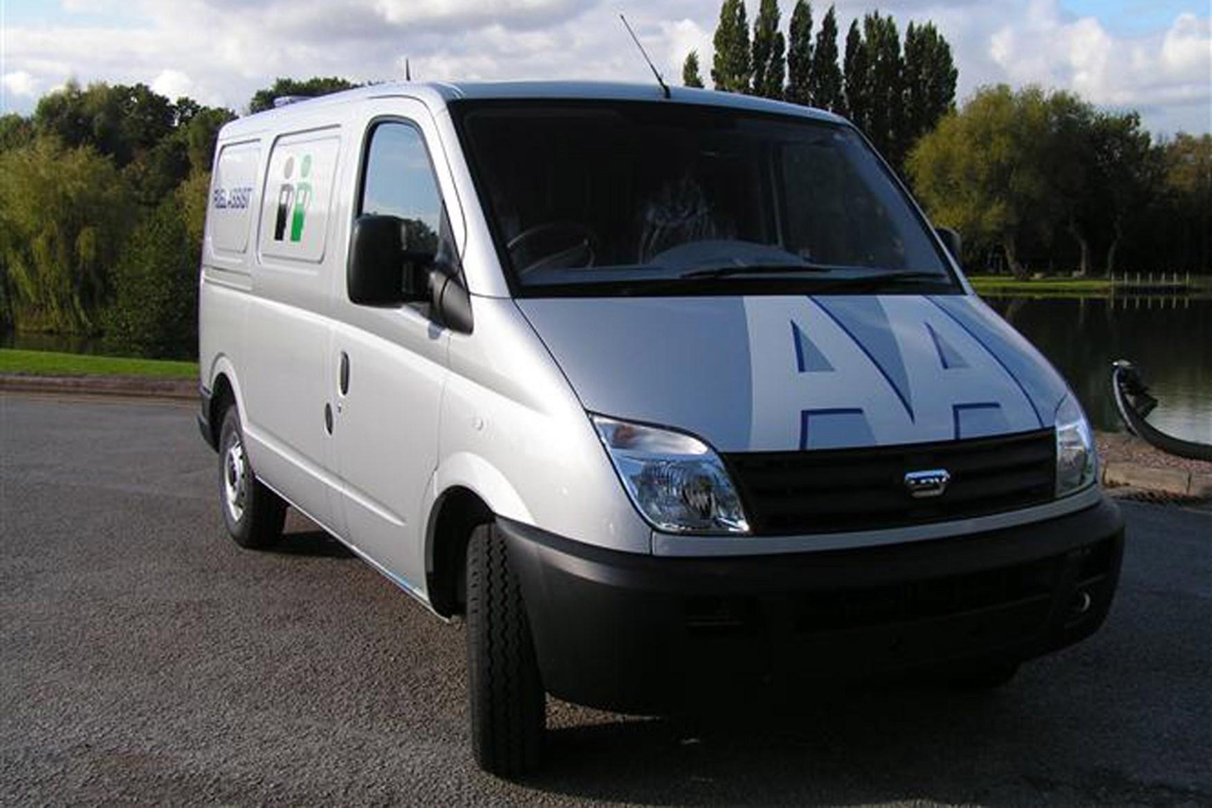 LDV Maxus review on Parkers Vans - front exterior