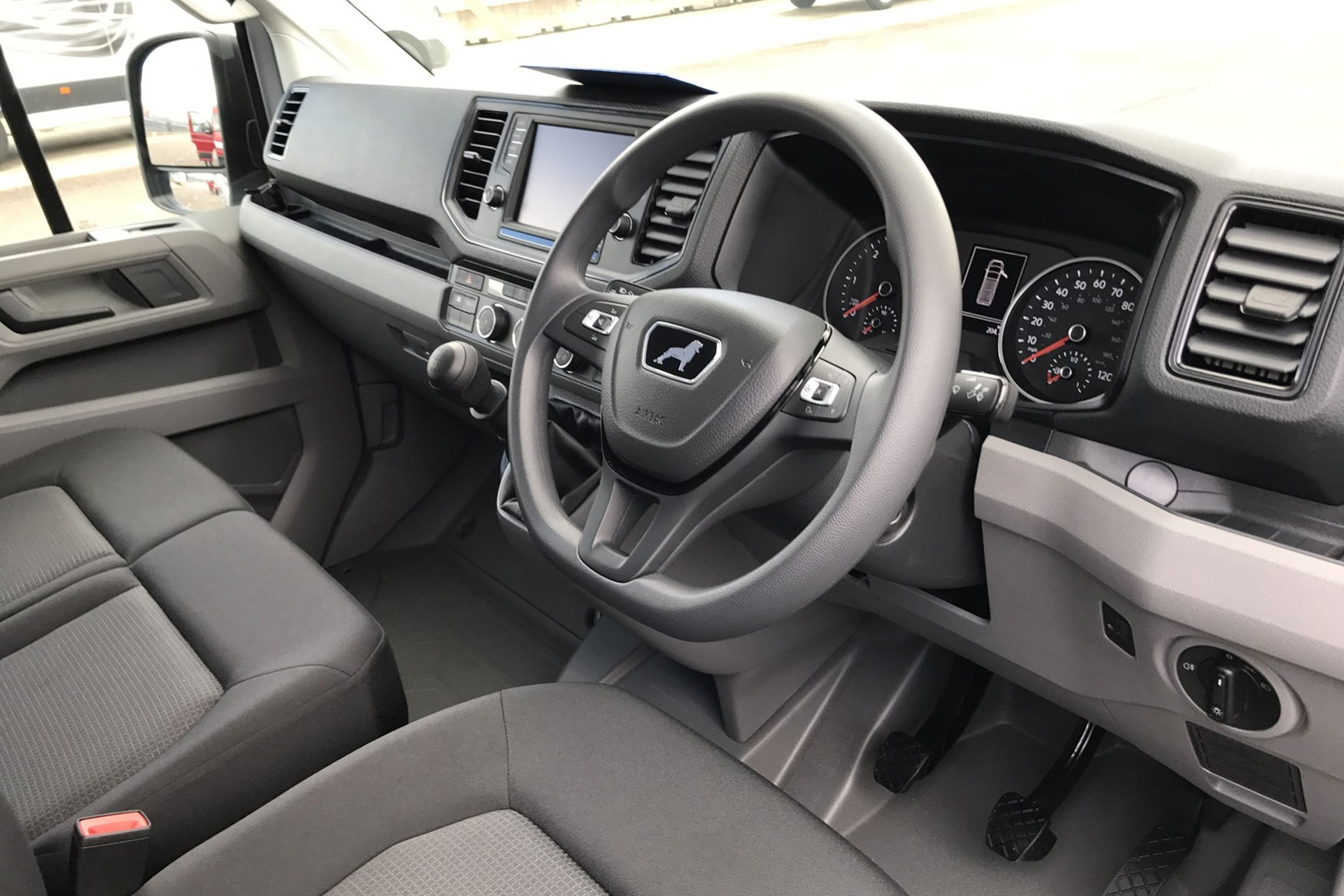 MAN TGE (2017-on), cab interior, steering wheel, dials, seats