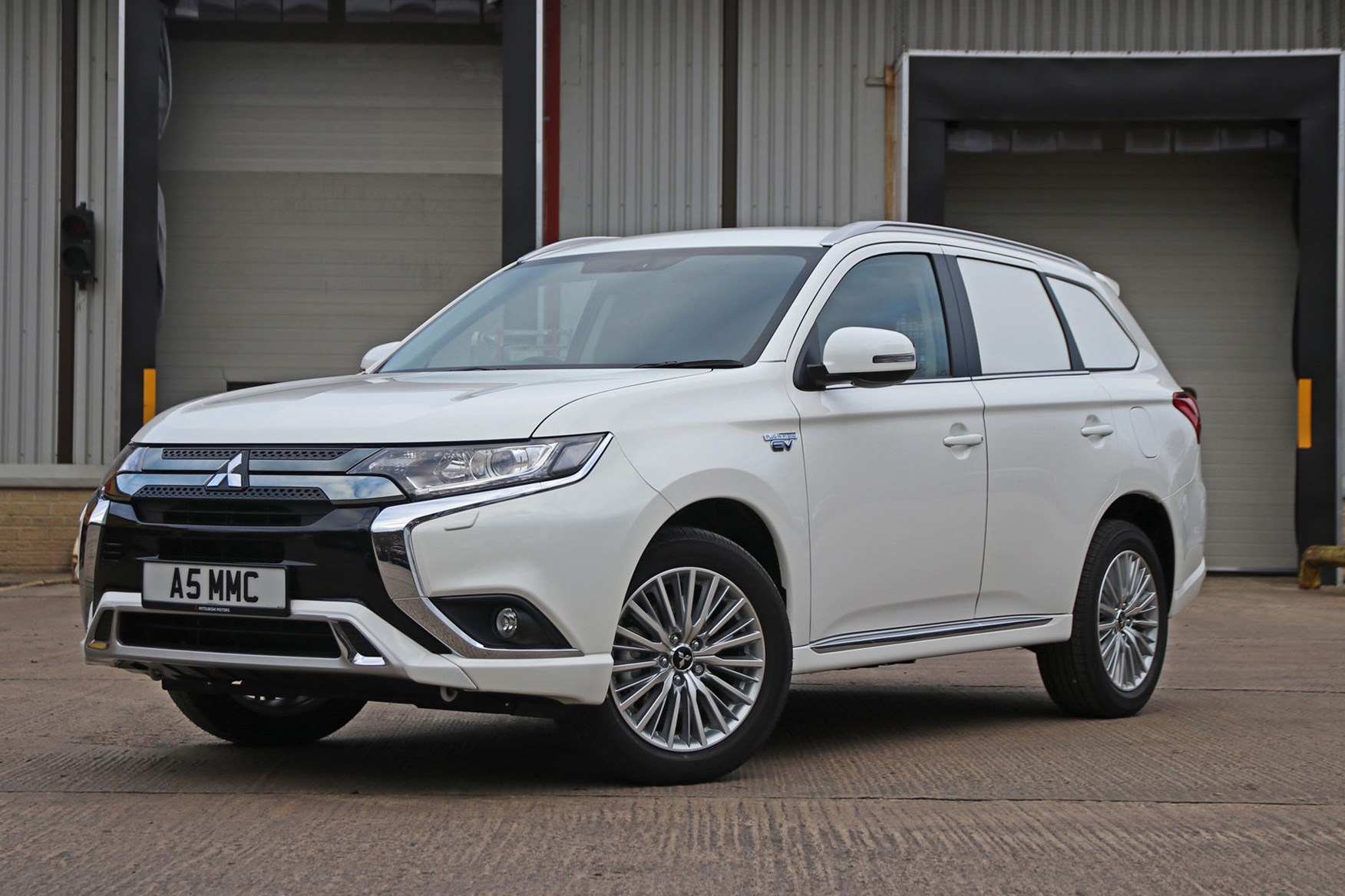 Mitsubishi Outlander Commercial 4x4 van review - 2019 PHEV front view, white