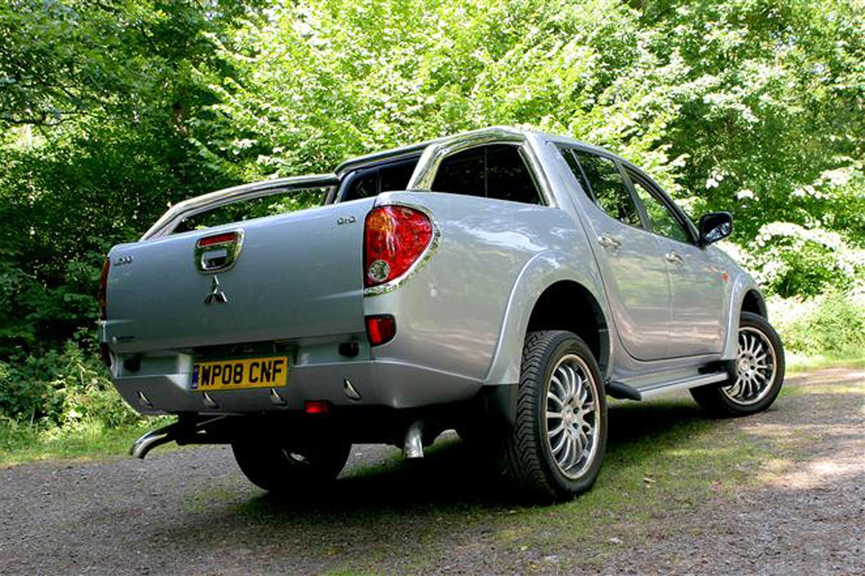 Mitsubishi L200 2006-2015 review on Parkers Vans - rear exterior