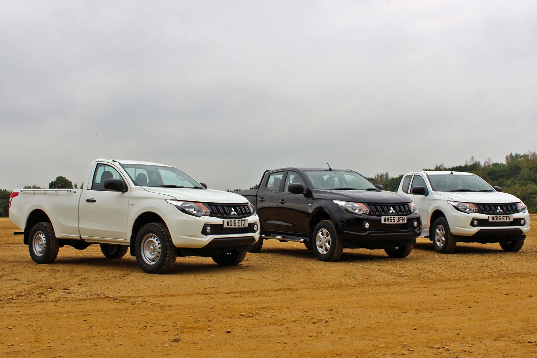 Mitsubishi L200 review, Single Cab, Club Cab and Double Cab together