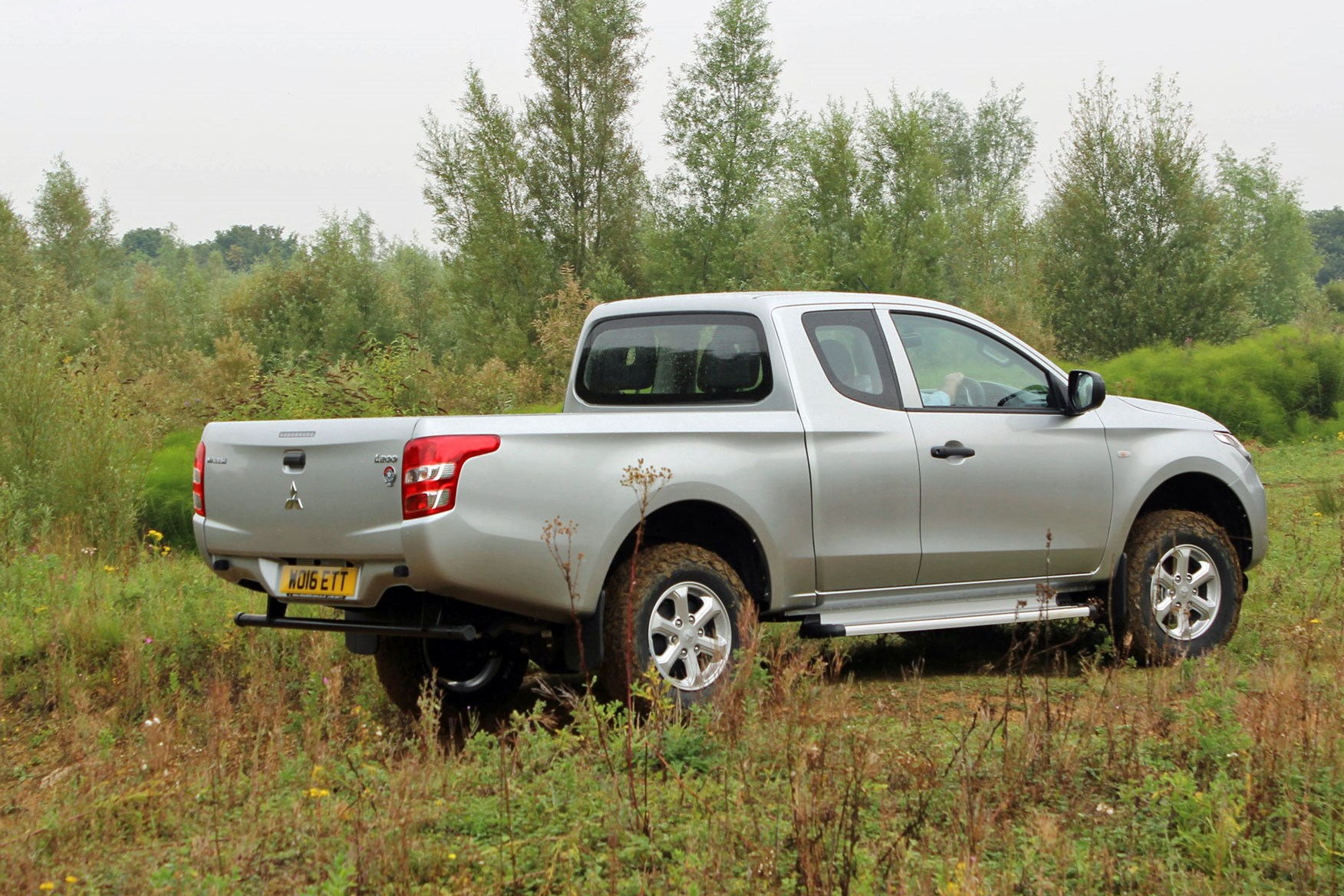 Mitsubishi L200 4Life Club Cab review - rear view, silver