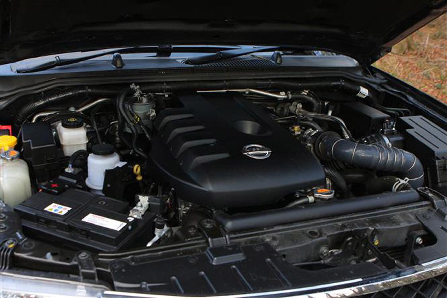 Nissan Navara 2005-2015 review on Parkers Vans - engine