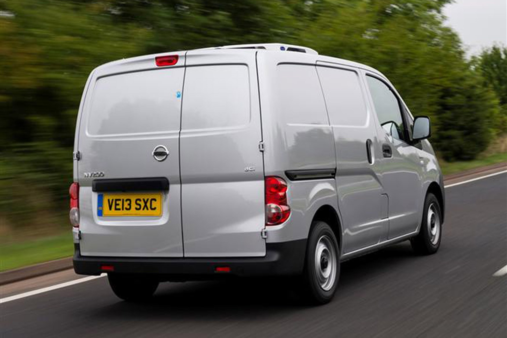 Nissan NV200 full review on Parkers Vans - rear exterior