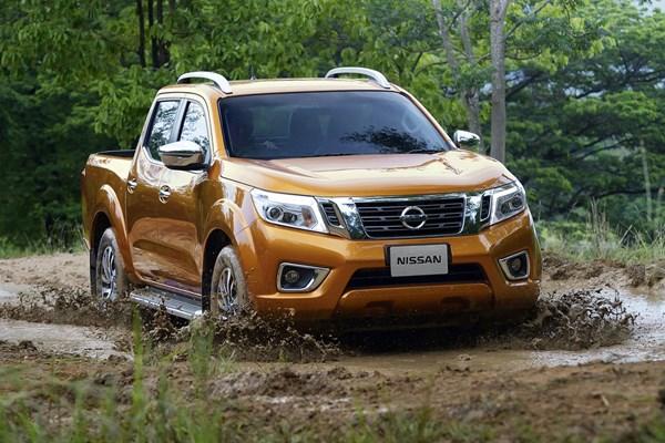 Nissan NP300 Navara pickup review (2016-on) | Parkers