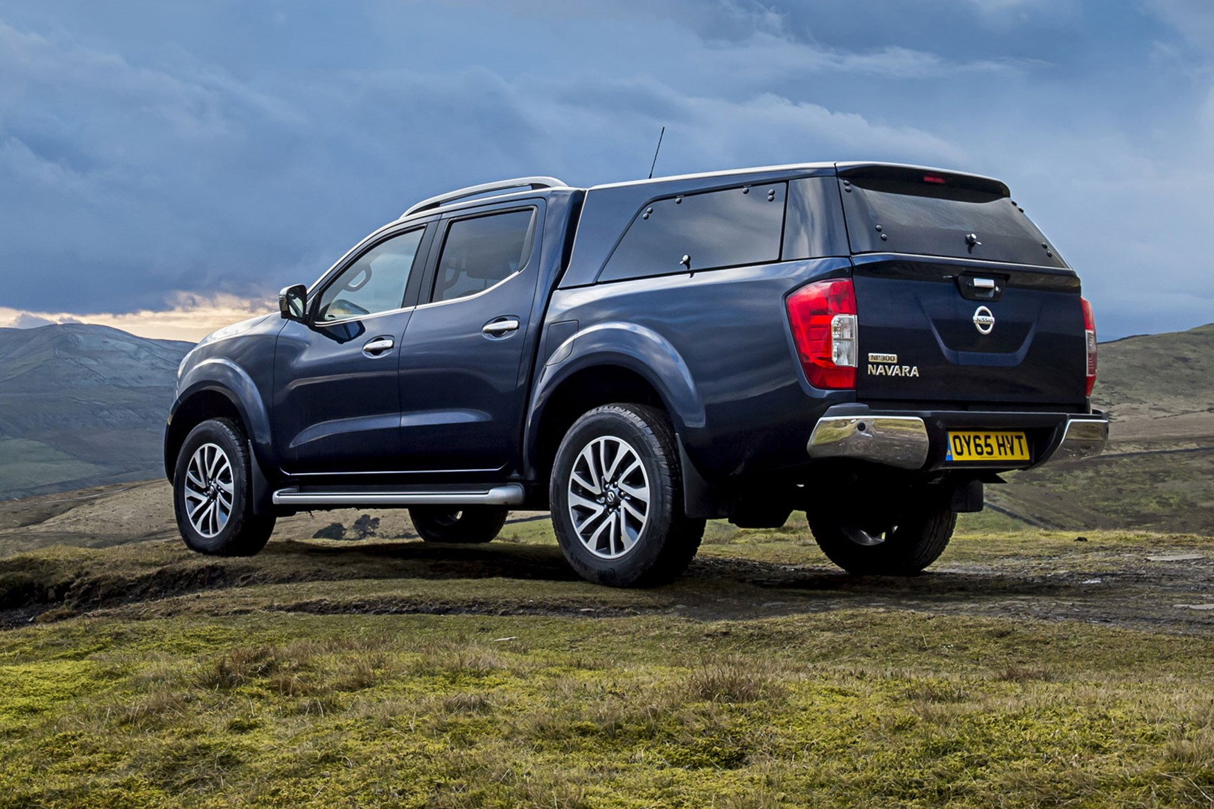 Nissan Navara review - rear view, blue, with hardtop