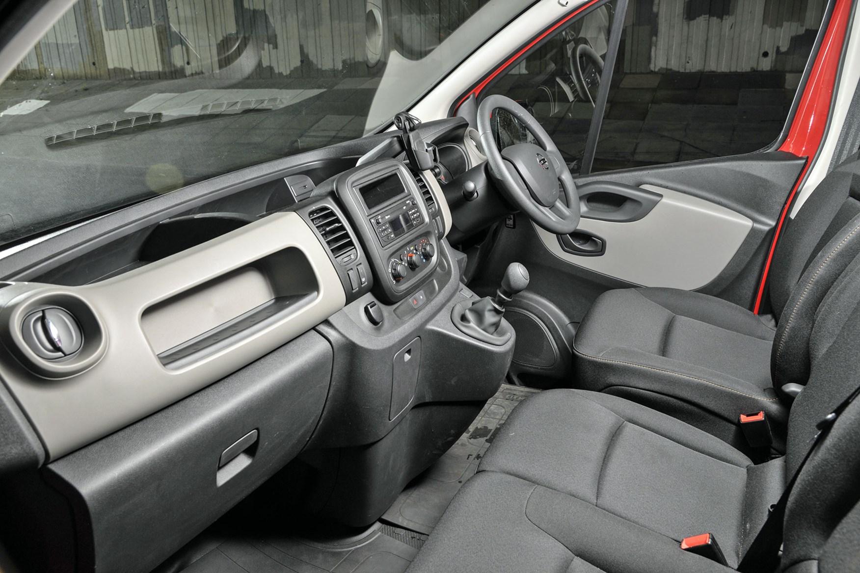Nissan NV300 - cab interior, dashboard, steering wheel, 2017