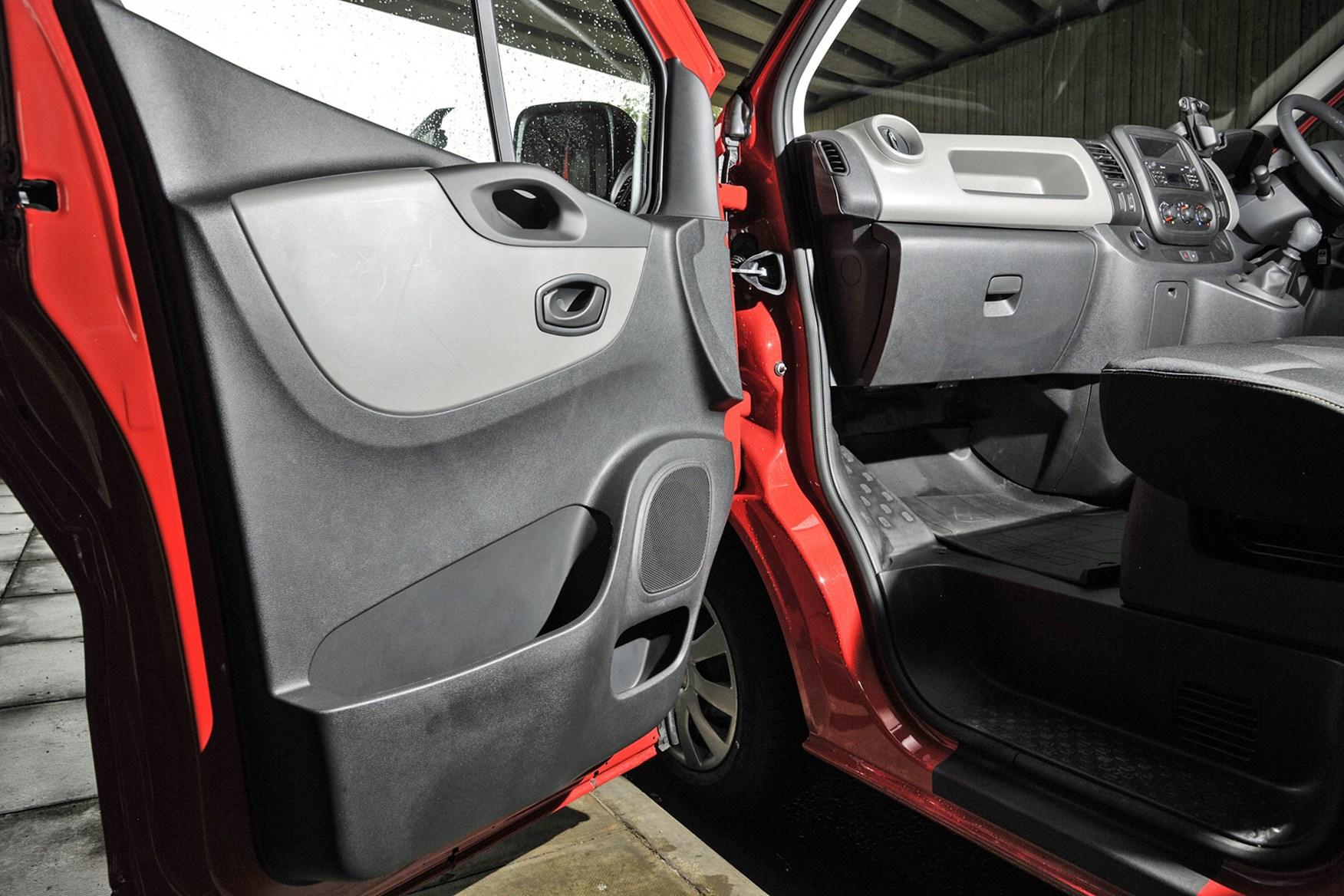 Nissan NV300 - door trim, storage, 2017