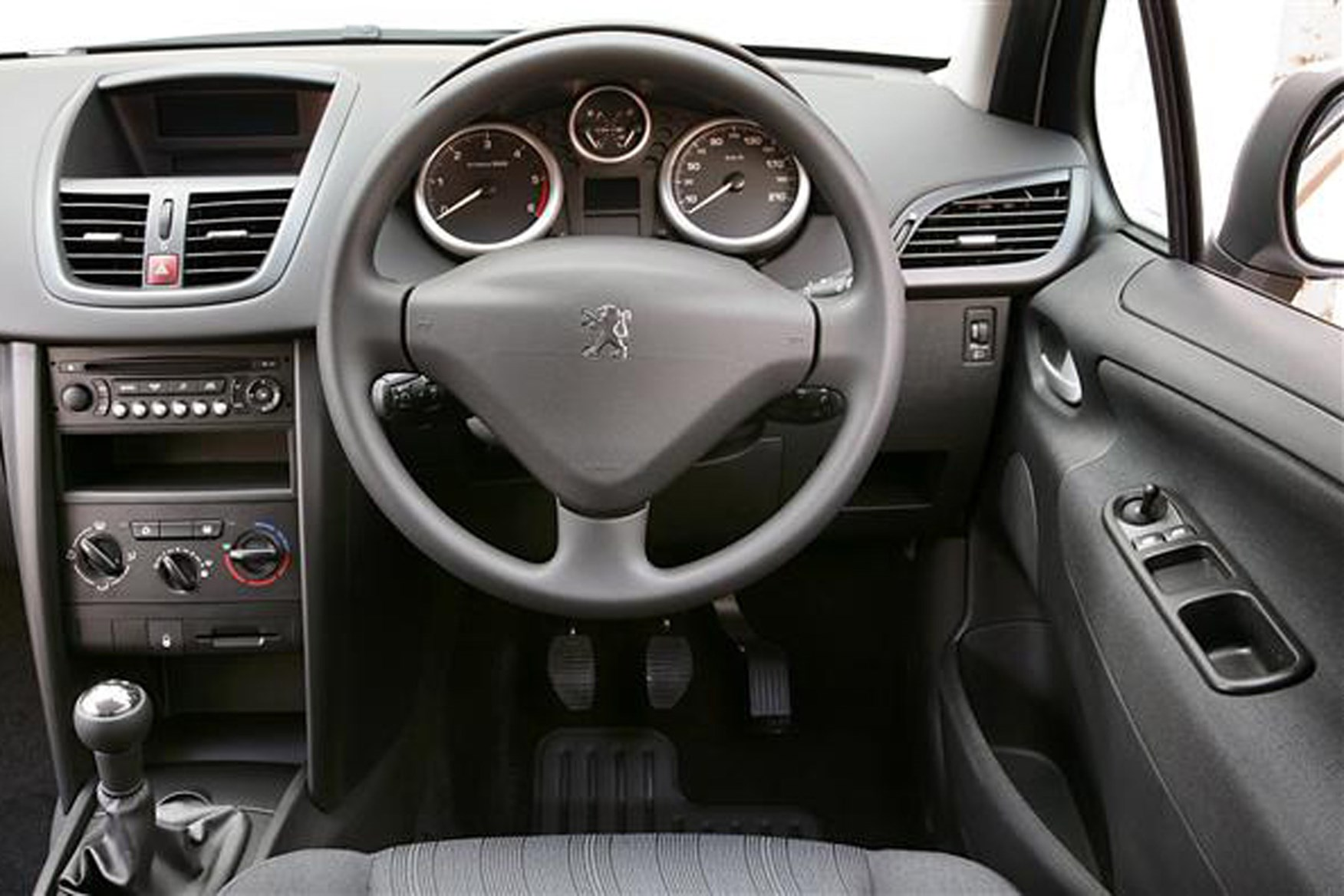 Peugeot 207 Van review on Parkers Vans - in the driver's seat