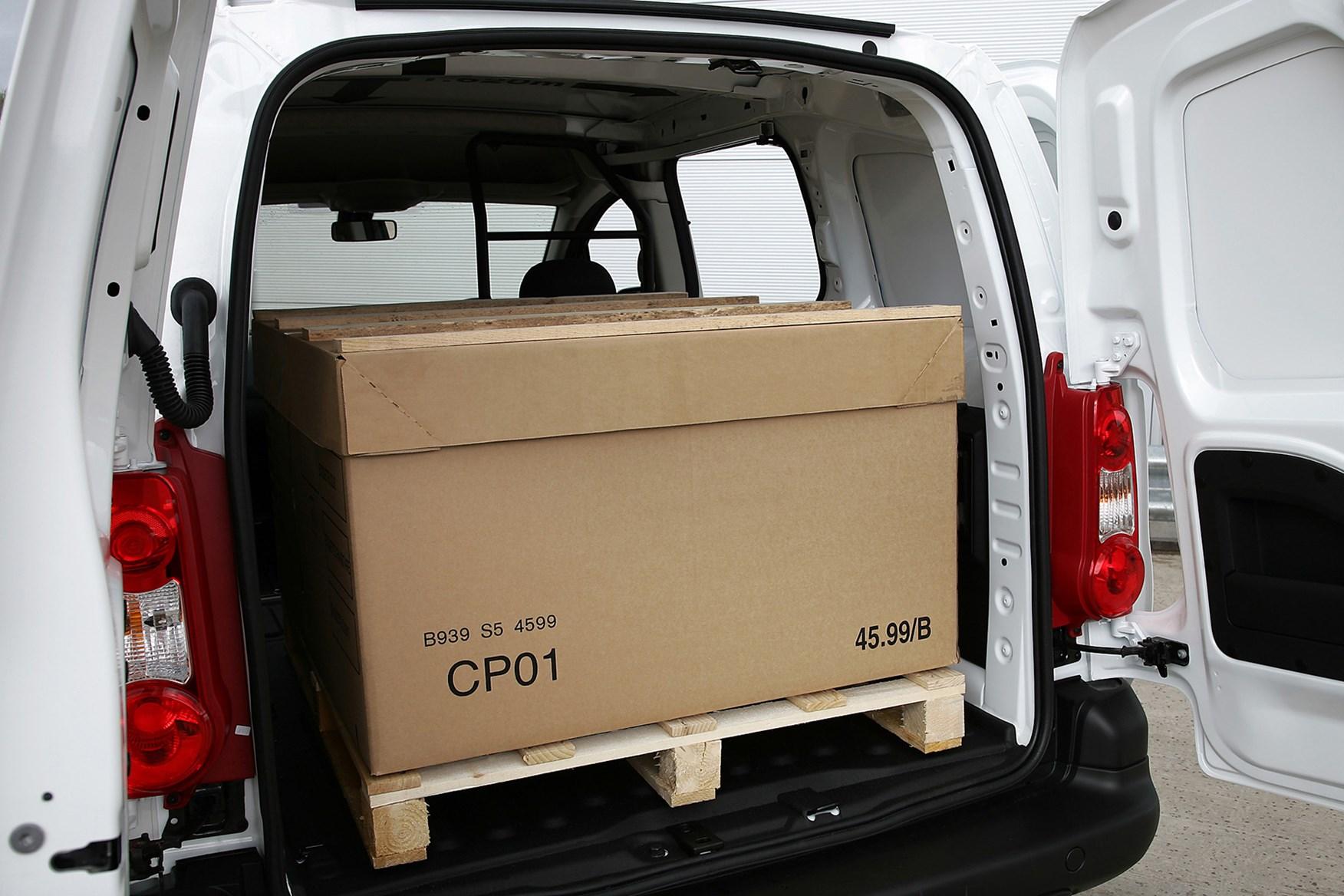 Peugeot Partner loading bay