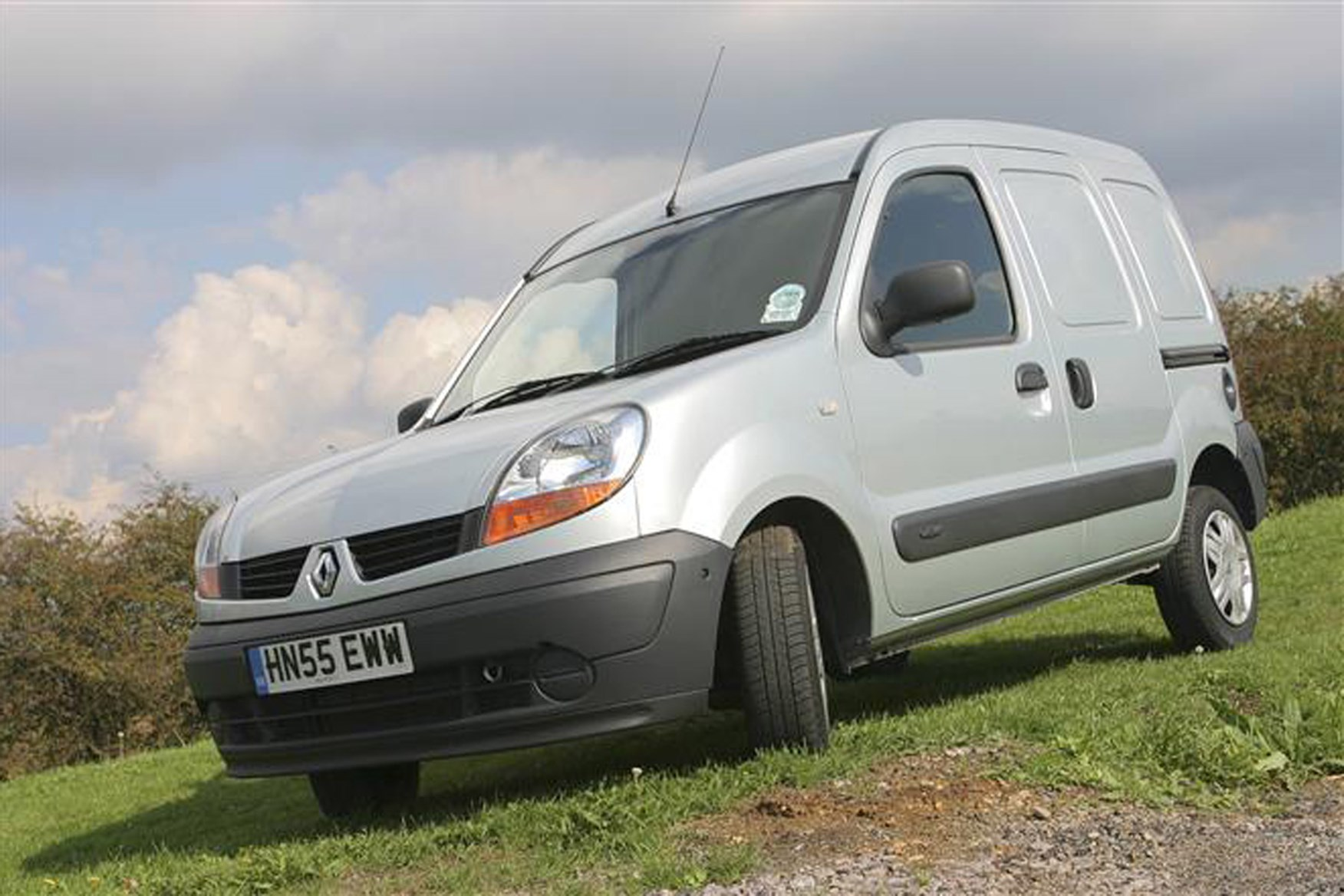 Renault Kangoo review on Parkers Vans - exterior