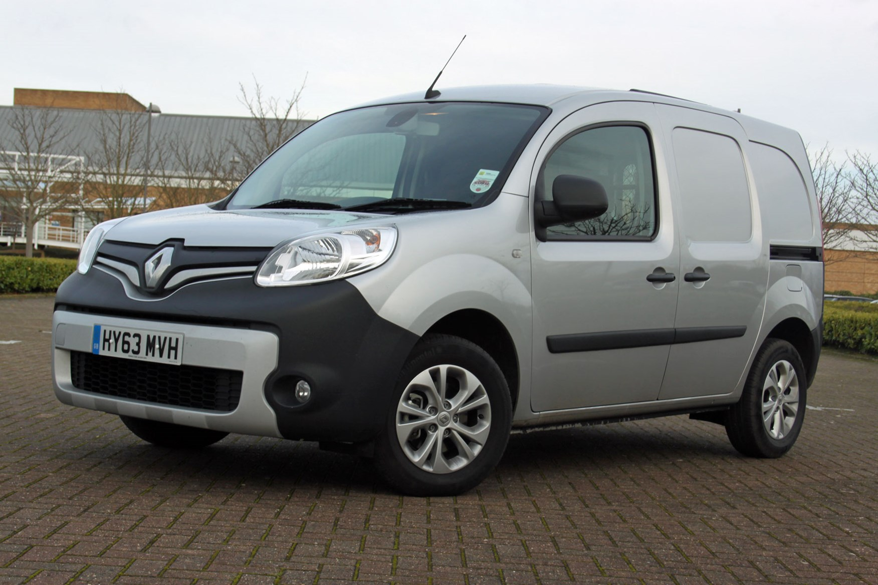 Renault Kangoo Sport review - front view, silver
