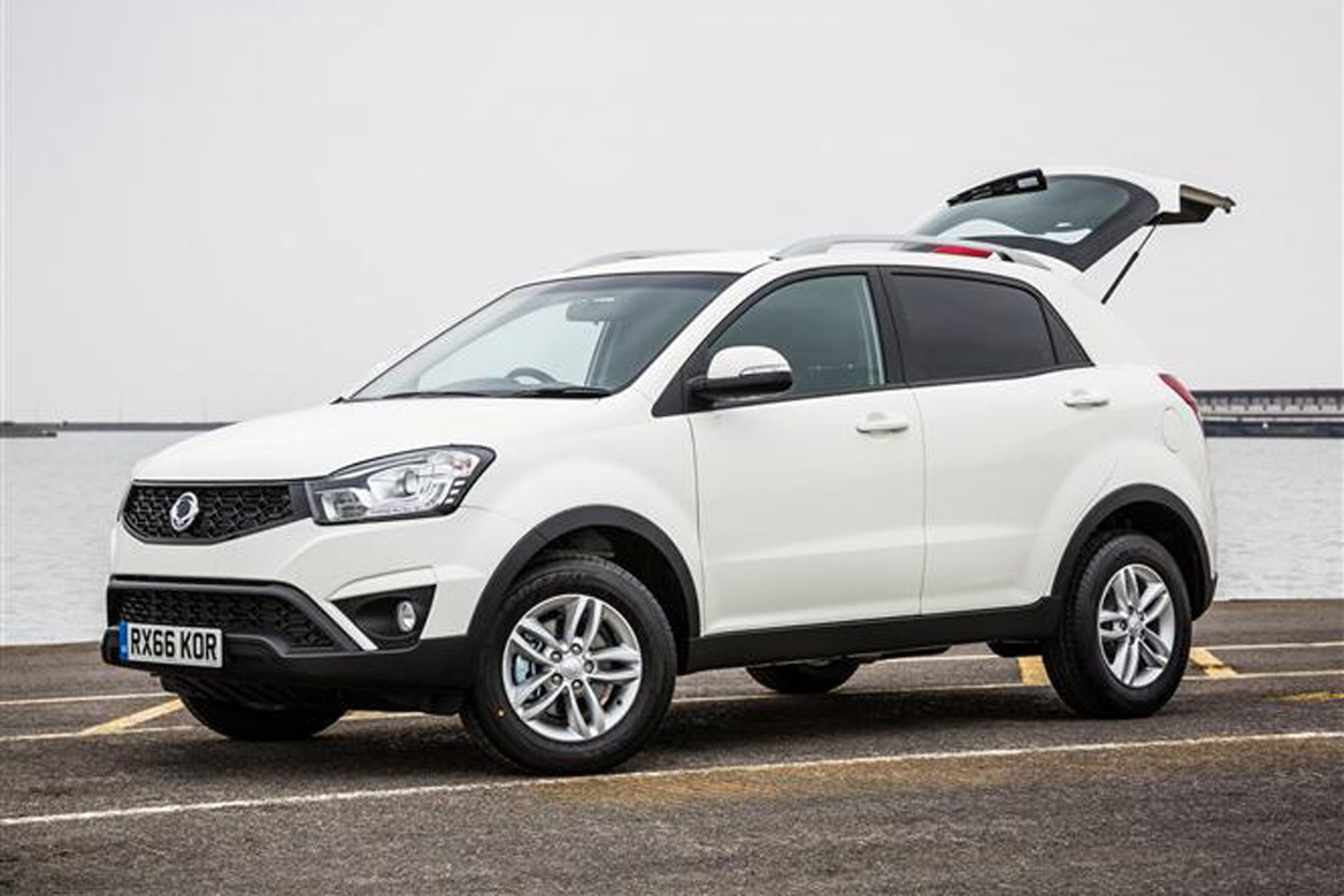 SsangYong Korando review on Parkers Vans - front
