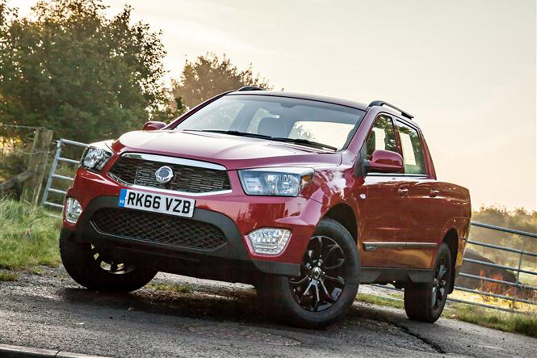 SsangYong Musso full review on Parkers Vans - front exterior