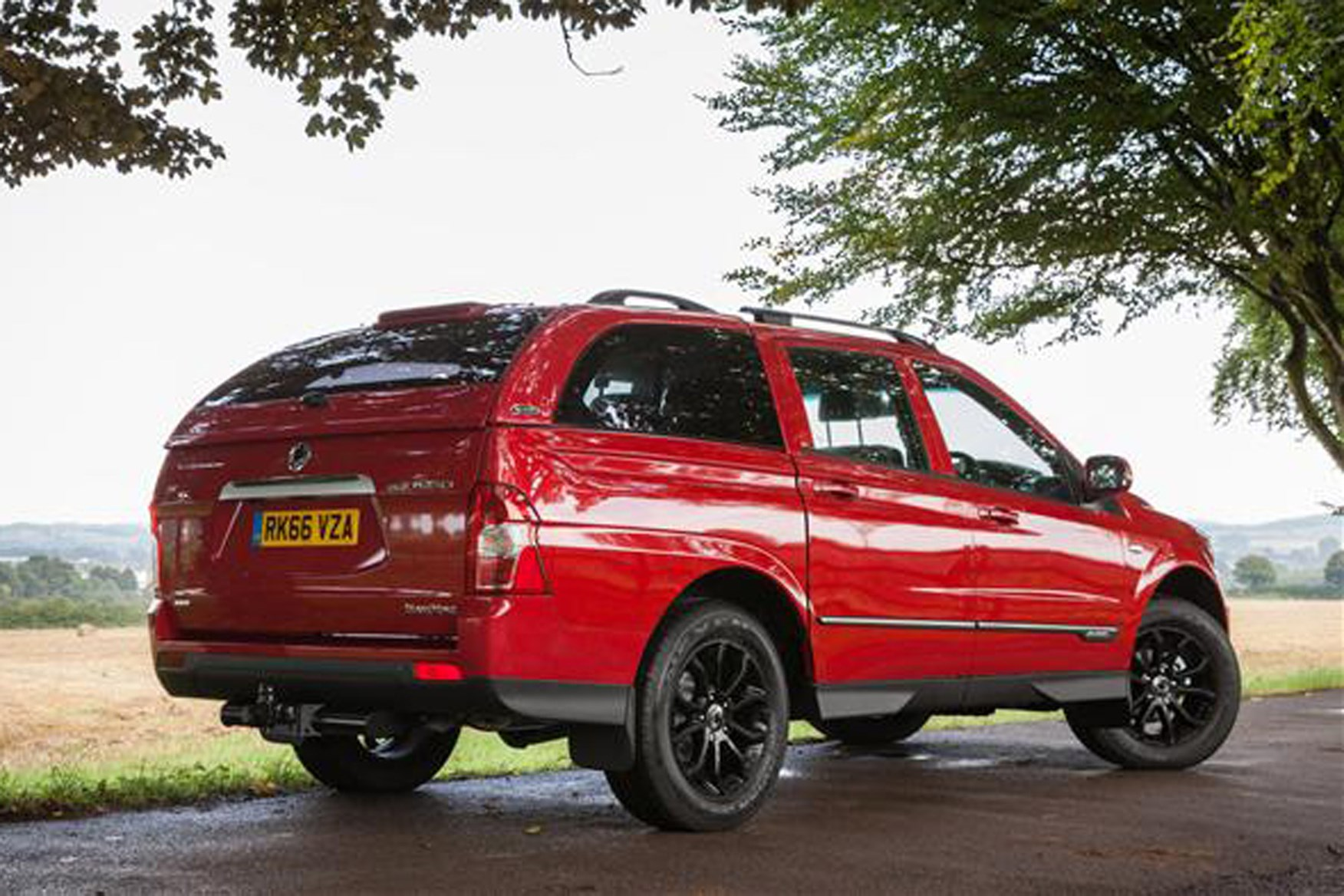 SsangYong Musso full review on Parkers Vans -rear exterior