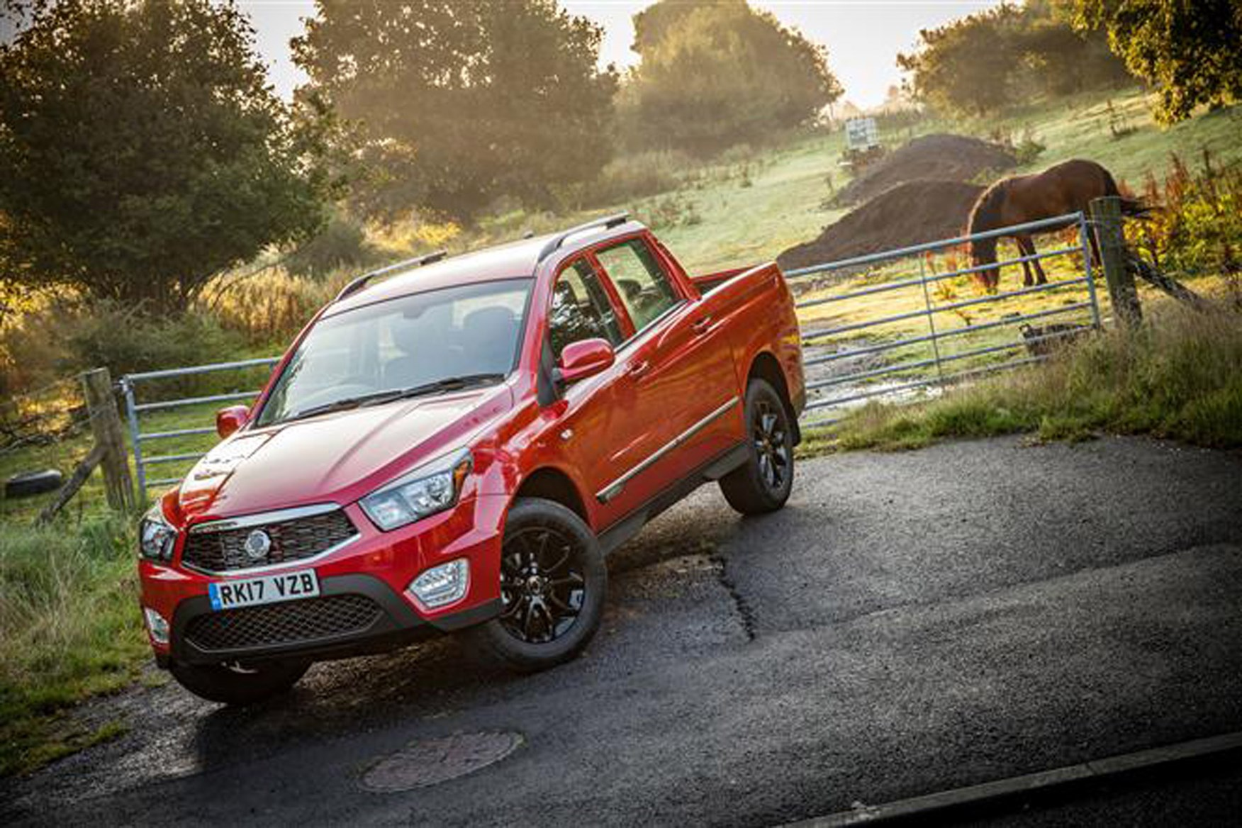 SsangYong Musso full review on Parkers Vans - day to day use