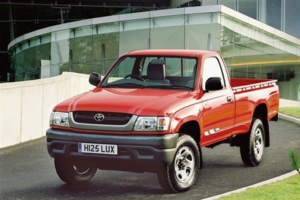 Toyota Hilux pickup review (1976-2005) | Parkers