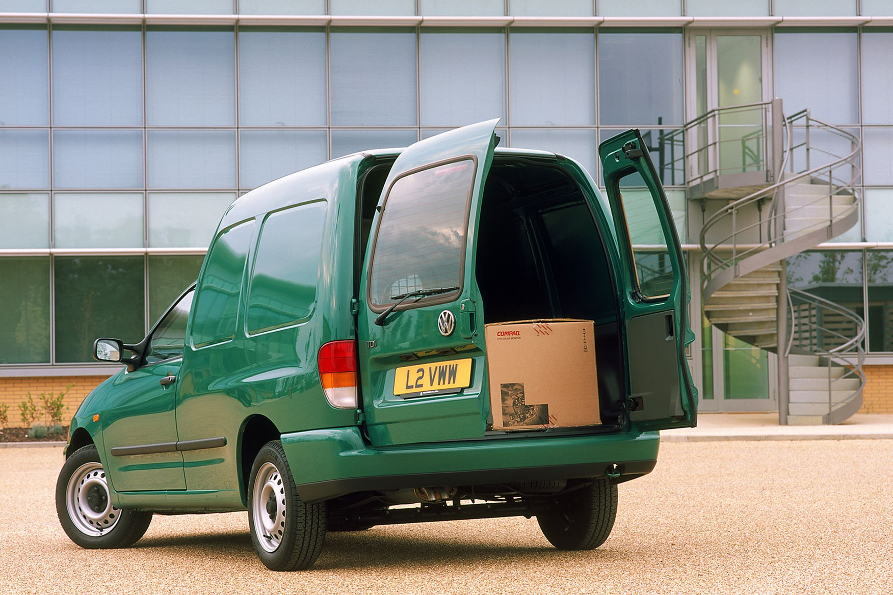 VW Caddy (1996-2003) load area