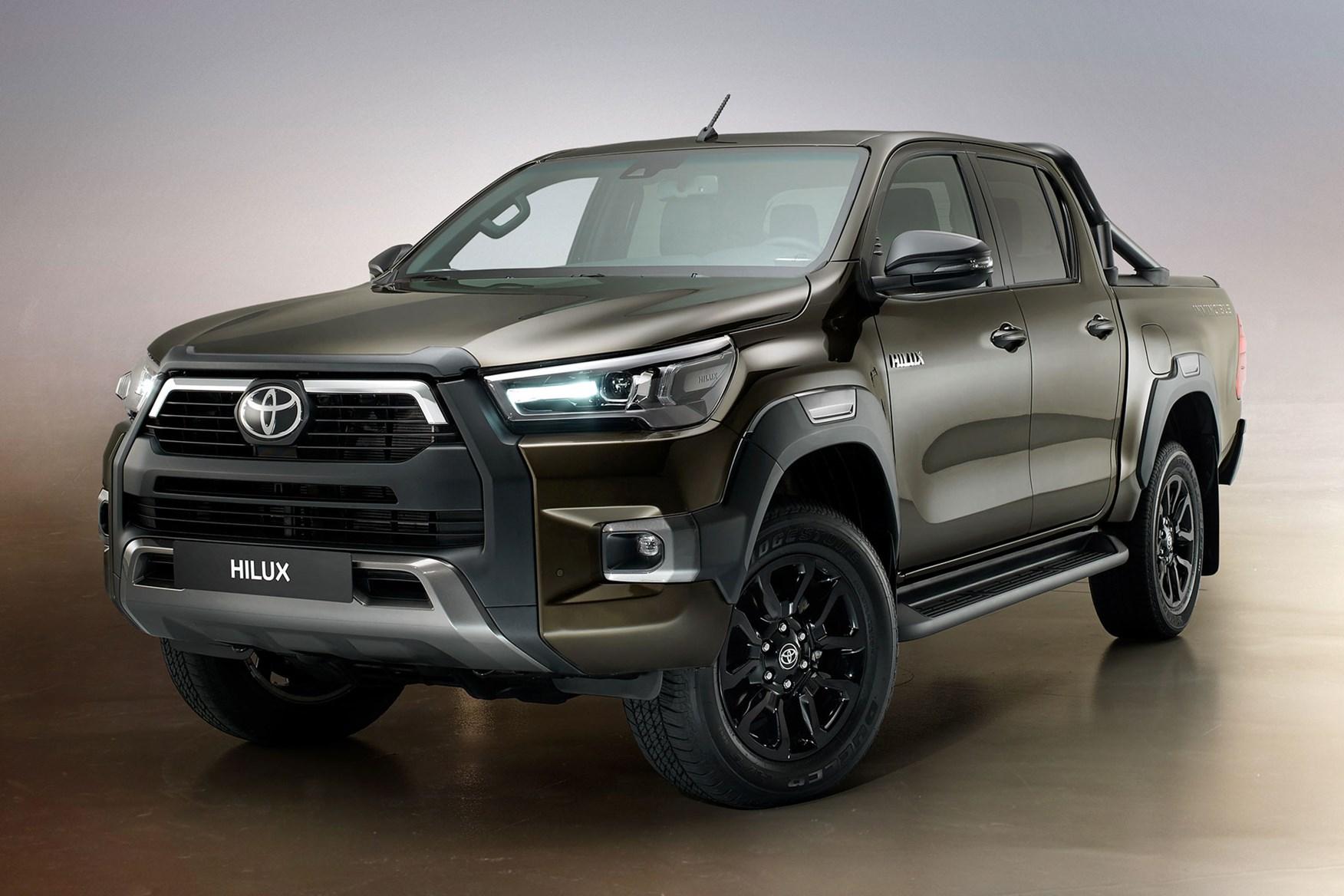 2020 Toyota Hilux facelift - Titan Bronze metallic