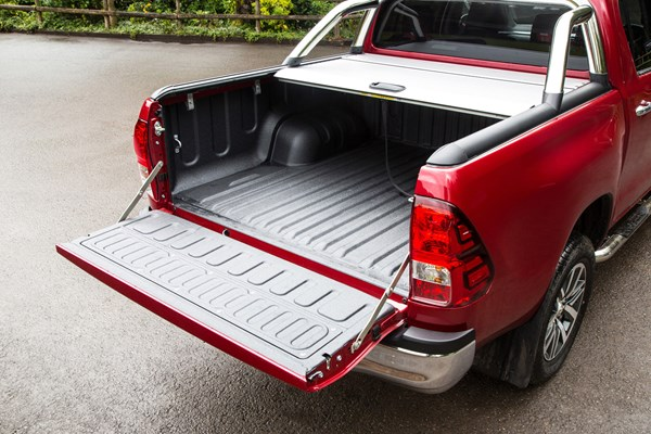 Toyota Hilux pickup dimensions (2016-on), capacity, payload