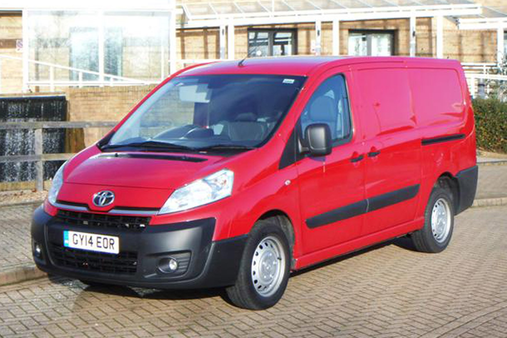 toyota proace van review 2013 2016 parkers. Black Bedroom Furniture Sets. Home Design Ideas