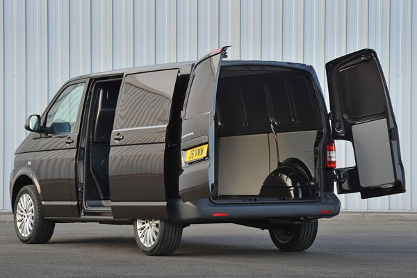 volkswagen transporter van dimensions 2010 2015 capacity payload volume towing parkers. Black Bedroom Furniture Sets. Home Design Ideas