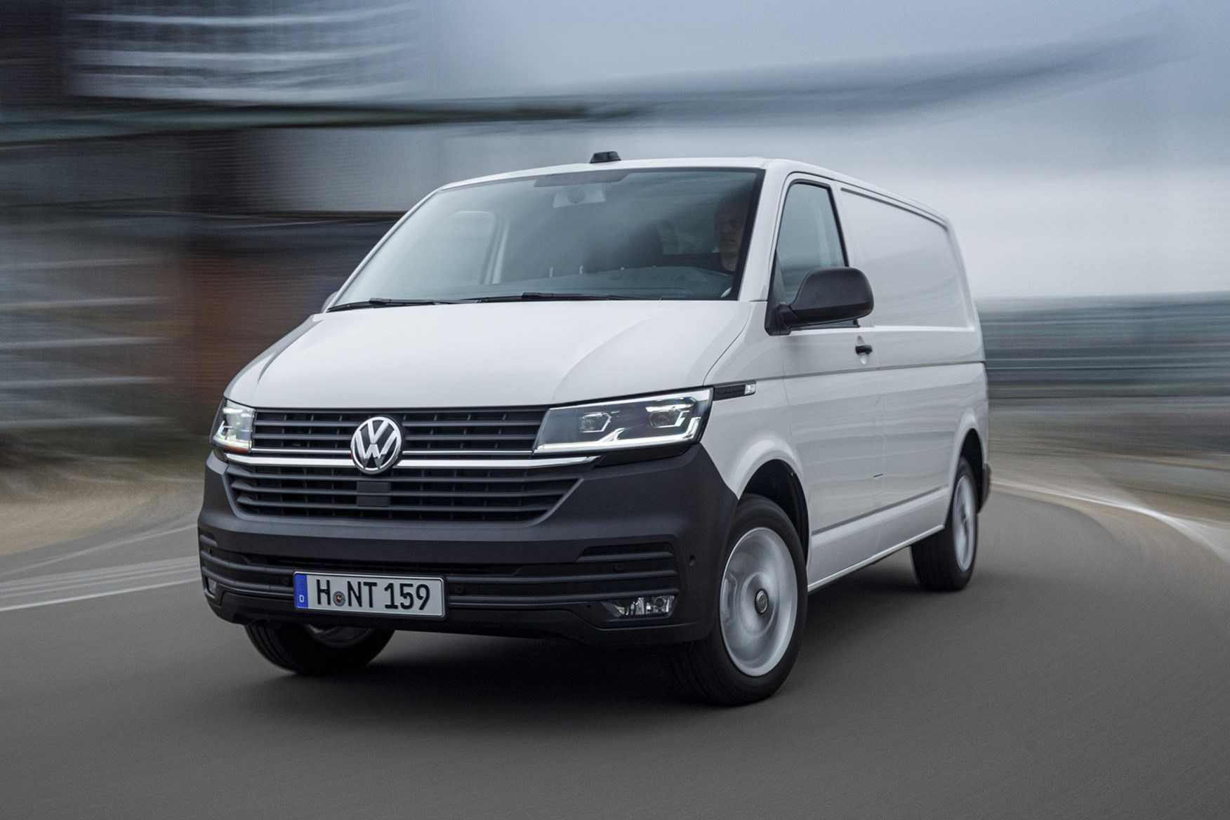 Volkswagen Transporter review (T6 and T6 1) | Parkers