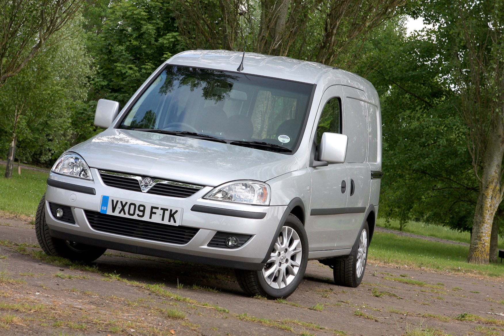 Vauxhall Combo review on Parkers Vans - exterior