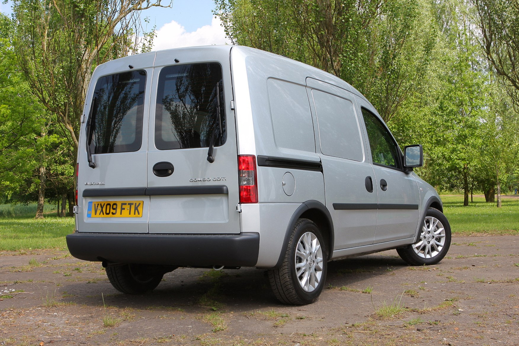 Vauxhall Combo review on Parkers Vans - rear