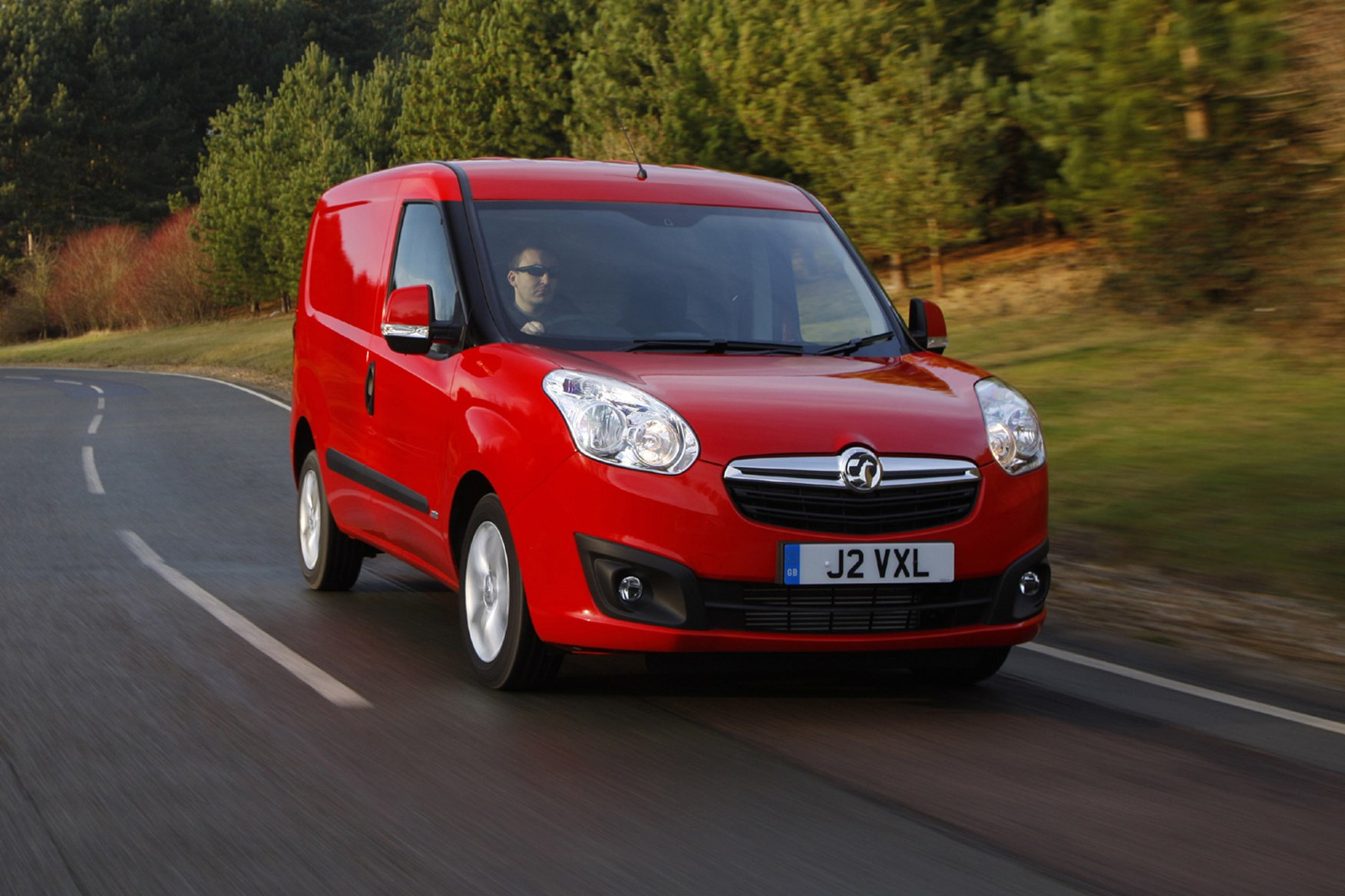 Vauxhall Combo full review on Parkers Vans - on the road