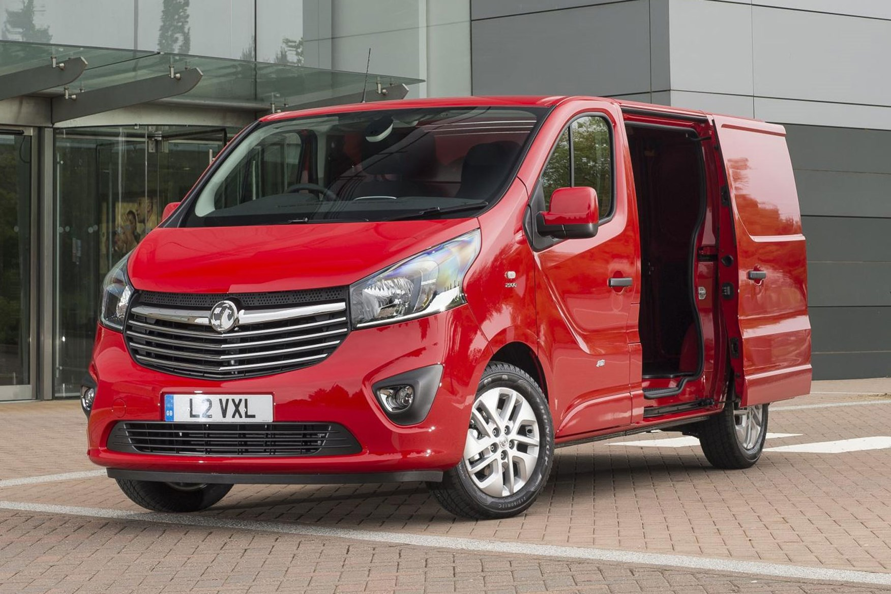Vauxhall Vivaro dimension - front view, red, with sliding side door open