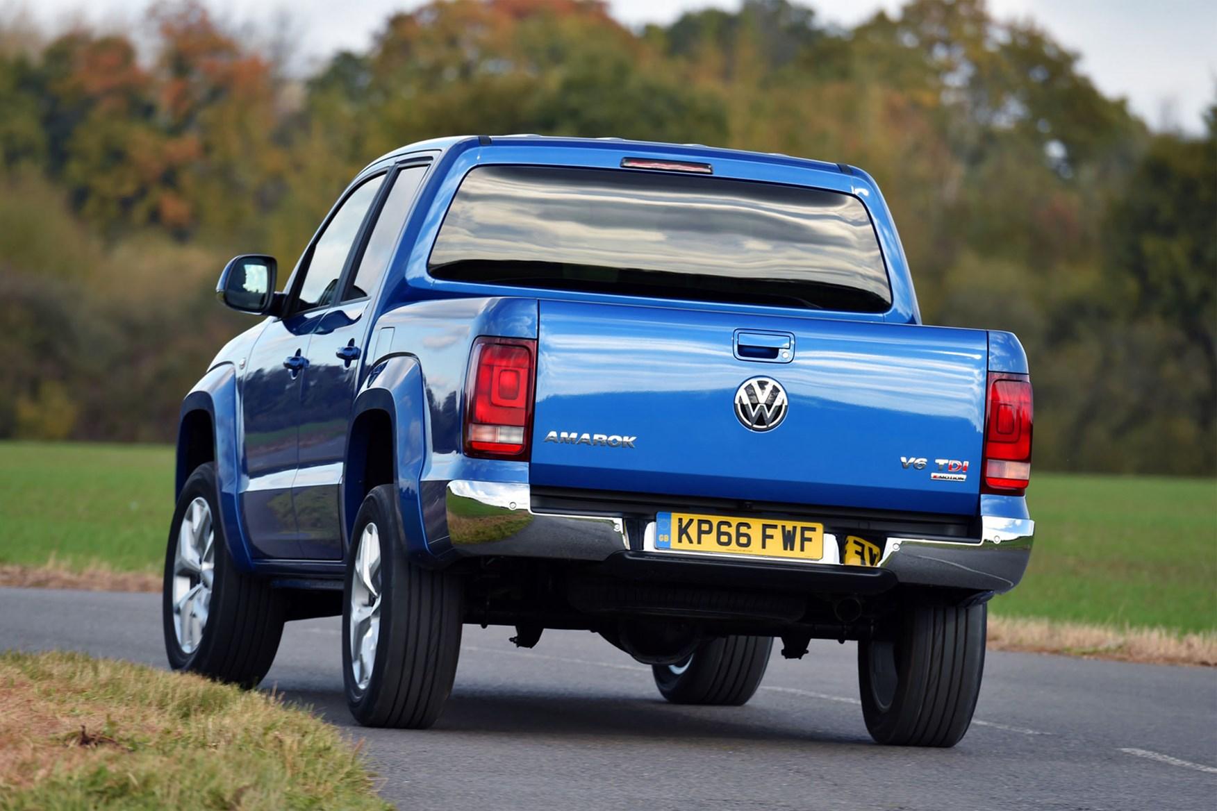 VW Amarok V6 cornering